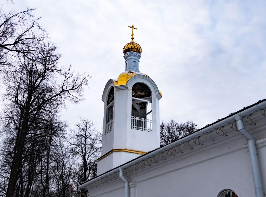 Новая колокольня. Спасо-Преображенский храм город Струнино. 2020 год